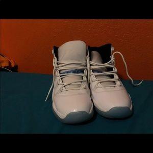 Jordan legend blue 11 worn 2 times size 7
